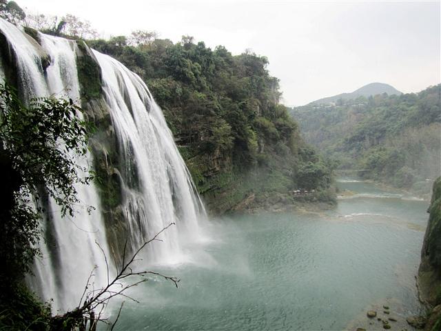 黄果树瀑布   黄果树瀑布   黄果树瀑布   高21米,是黄果树高清图片