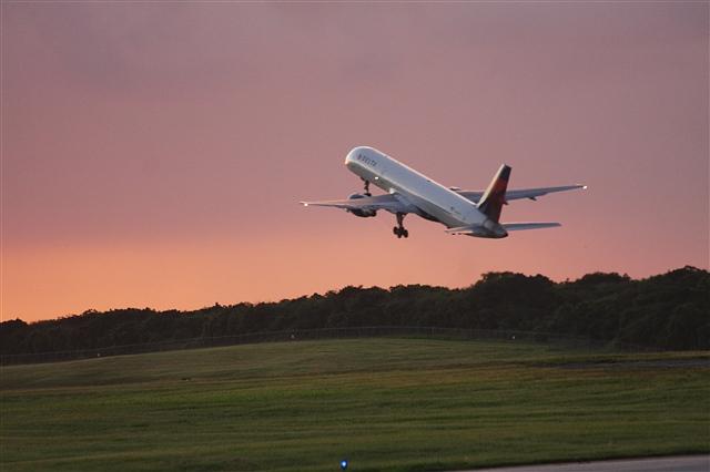 塞班岛飞机起飞