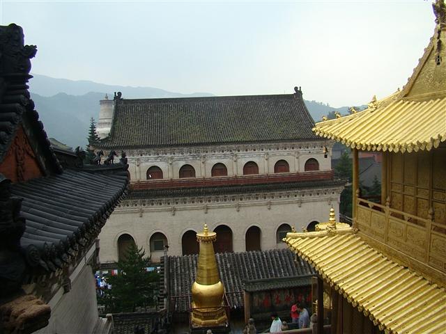 山西游五台山显通寺图片