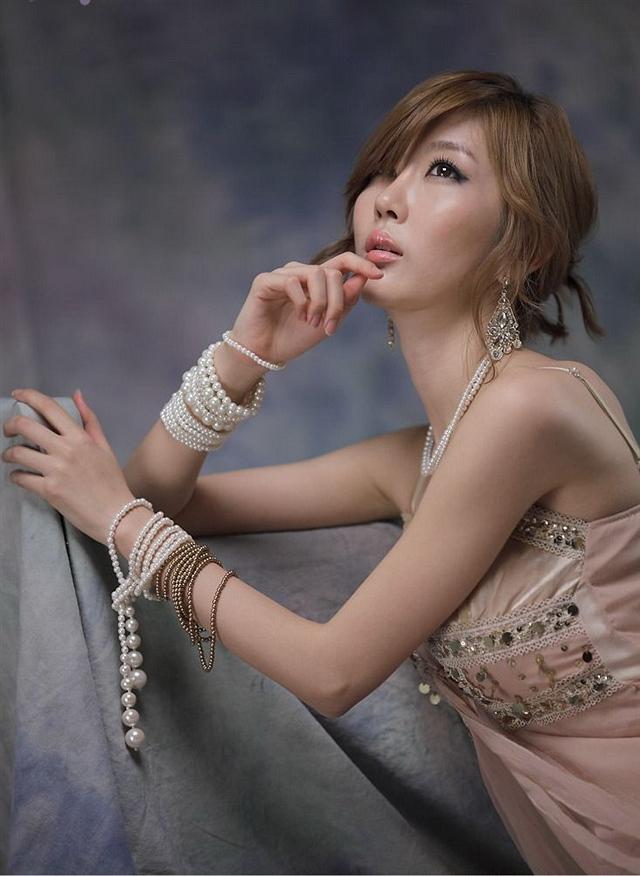 美女崔星儿清纯时尚写真曝光 - Lumi - Lumi胶原蛋白